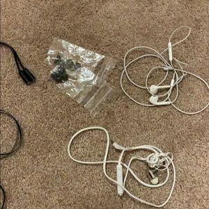 Apple Other - Earphone Bundle!!